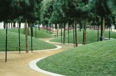 Marina Linear Park by Martha Schwartz. Park Landscape, Urban Landscape, Parque Linear, Linear Park, Urban Park, Landscape Architecture Design, Modern Landscaping, Landscaping Ideas, Mailbox Landscaping