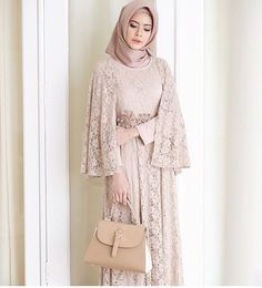 "5,512 Likes, 45 Comments - Gaun • Kebaya • Hijab • Mua (@inspirasigaunmuslimm) on Instagram: ""Inspired by @fairuzsakinah """