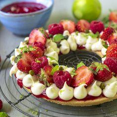 Taart met aardbeien, frambozen en witte chocolade | Hap en Tap