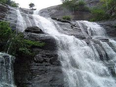 Talakona Waterfall – Andhra Pradesh: The Talakona falls is situated inside the Sri Venkateswara National Park in Chittoor District of Andhra pradesh. Talakona falls is the highest waterfall in Andhra pradesh with a height of 270 feet in the startingpoint of the Tirumala mountain ranges. Due to sandalwood trees and some valuable medicinal plants around,water of Talakona falls is enriched with herbs wit healing properties. Talakona area is well famous for its waterfalls,