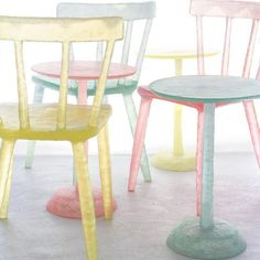 Trending Now - Award-winning Kim Markel's recycled plastic chair reminds us that repurposing what already exists can be not just sustainable and innovative, but beautiful #glowcollection #KimMarkel #GreenDesignGallery #sustainable #innovative #chair #trendingnow #recycledplastic #awardwinning #green #luxury #exclusive #designer #greenhome #greendecor #thefutureisnow