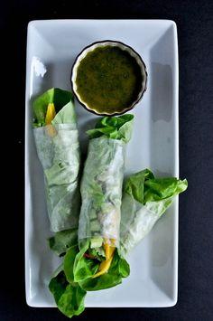 Crispy Shrimp and Mango Lettuce Wraps | howsweeteats.com