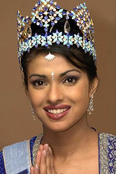 Priyanka Chopra at a Miss World photocall in Priyanka Chopra 2000, Priyanka Chopra Images, Miss World 2000, Indian Bollywood Actress, Indian Actresses, Indian Celebrities, Bollywood Celebrities, Selena, Miss Mundo