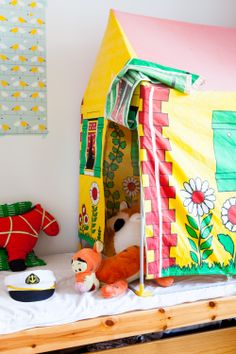 Little girl's room from free  issue 3 www.tuttifruttimagazine.com. Photo Mari Lahti. Tuttifrutti Magazine on suomalainen lifestyle-verkkolehti trendejä pelkäämättömille perheellisille. #tent#
