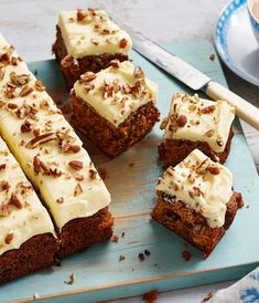 The Hairy Bikers bring you an easy carrot cake traybake that is great for feeding a crowd. Tray Bake Recipes, Baking Recipes, Cake Recipes, Baking Ideas, Carrot Cake Traybake, Sultana Cake, Easy Carrot Cake, Hairy Bikers, Salty Cake