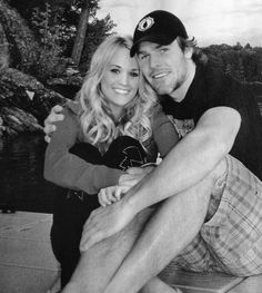 Carrie Underwood & hockey player Mike Fisher 7/2010 <3