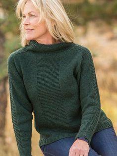 Женский свитер вязаный сверху