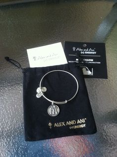 Alex and Ani bracelet pretty sure I'll get one :) Jewelry Box, Jewlery, What A Girl Wants, Alex And Ani Bracelets, Ny Yankees, Ring Necklace, Diva, 18th, Charms