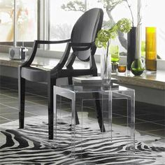 Kartell Jolly Side Table at Smart Furniture