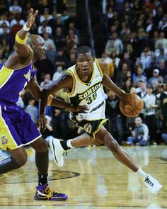 Durant Drives On Odom, '08.