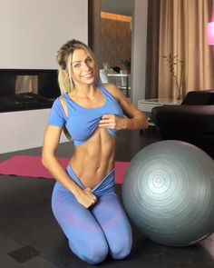 Video: 4 Surefire Super Set Exercise for a Perfectly Flat Belly and Abs - Exerciții fizice - health & fitness Fitness Workouts, Yoga Fitness, Sport Fitness, Fitness Goals, At Home Workouts, Fitness Tips, Fitness Motivation, Health Fitness, Fitness Equipment