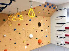 Home Climbing Wall, Indoor Playroom, Kids Gym, Cool Kids Rooms, Branch Decor, Playroom Organization, Playroom Design, Toy Rooms, Indoor Playground