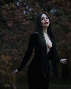 Gothic fashion 860961653748622818 - Rosa Source by gerarddubart Gothic Girls, Hot Goth Girls, Goth Beauty, Dark Beauty, Estilo Punk Rock, Vampire Girls, Goth Women, Dark Photography, Gothic Outfits