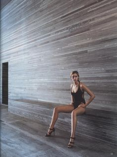 Peter Zumthor's Therme Vals - Vogue 1997 Swimsuit - Ralph Lauren High Heels - Manolo Blahnik Peter Zumthor, Architecture Details, Interior Architecture, Prix Pritzker, Therme Vals, Manolo Blahnik Heels, Cladding, Editorial Fashion, Beauty Editorial