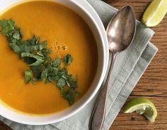 Pittige zoete aardappel soep met koriander