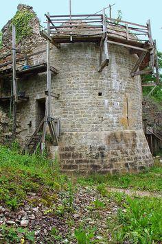 Noyers-sur-Serein (Yonne) | Flickr - Photo Sharing! Auxerre, Outdoor Structures, Cabin, Architecture, House Styles, Garden, Arquitetura, Garten, Cabins