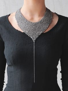 Knitted chain necklace; contemporary jewellery design // Jean Francois Mimilla Women's Jewelry - http://amzn.to/2knipJV