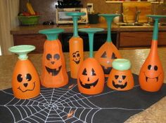 Make a Halloween decoration in under 180 minutes by decorating with candle, glass paint, and wine glasses. Inspired by halloween and pumpkins. Creation posted by Krafty Kokatie. Halloween Wine Glasses, Halloween Wine Bottles, Diy Wine Glasses, Painted Wine Glasses, Wine Glass Crafts, Wine Bottle Crafts, Bottle Art, Diy Halloween Decorations, Halloween Crafts