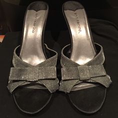 Ann Marino sparkly bow heels Only worn twice. Perfect condition. Great shoe for any dressy occasion. Love these!! Ann Marino Shoes Heels