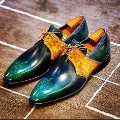Corthay Lubia Midori / Castor Suede, an amazing combination @maison_corthay #corthay #shoes #shoesoftheday #ShoePorn #shoegazing #gq #colorful #happy #brown #bespoke #patinashoes #mto #pointure #paris #luxury #fashion #madeinfrance #perfection #therakemagazine #style #Leather #special #suede #workshop #artisanat #masterpiece #green #blue #brown