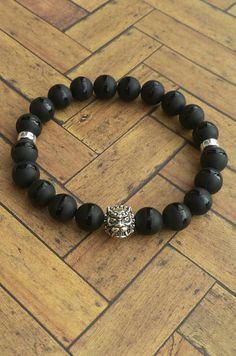 Men's Tuxedo Agate Beads and Sterling Silver Lion Head Stretch Bracelet  in my Etsy shop https://www.etsy.com/listing/276864972/mens-black-agate-and-sterling-silver