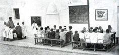 تلاميذ ريفيون في مدرسة إسبانية أثناء الإحتلال