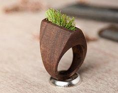 Anillo unisex hierba con madera nogal para mujer u hombre, parejas, declaración anillo 001