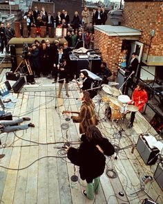 47 years ago on this date, The Beatles performed together for the last time on the roof of Apple Records in London Beatles Singles, The Beatles 1, Beatles Photos, Axl Rose, George Harrison, Paul Mccartney Bass, Alan Parsons, On This Date, Local Music