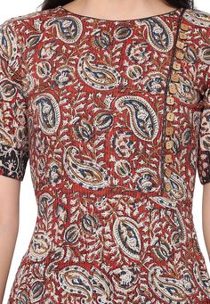 Kalamkari Printed Cotton Kurta in Red and Beige Salwar Neck Designs, Kurta Neck Design, Dress Neck Designs, Kurta Designs, Kalamkari Kurti, Kalamkari Dresses, Salwar Suit Pattern, Kurta Patterns, Boat Neck Kurti