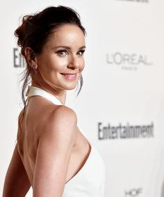 Sarah Wayne Callies attends the 2015 Entertainment Weekly pre-Emmy party at Fig & Olive Melrose Place in West Hollywood, California. Very Beautiful Woman, Beautiful People, Hollywood Actresses, Actors & Actresses, Sara Tancredi, Michael And Sara, Sarah Wayne Callies, Michael Scofield, Us Actress