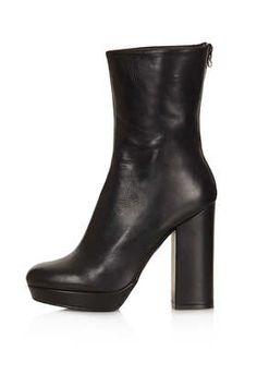 Clean zip boots