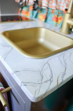 IKEA-DUKTIG Kitchen 'marble' top detail or you could use contact paper that has a marble pattern 1970s Kitchen Remodel, Ranch Kitchen Remodel, Cheap Kitchen Remodel, 1950s Kitchen, Kitchen Remodeling, Remodeling Ideas, Ikea Play Kitchen, Mini Kitchen, Toy Kitchen