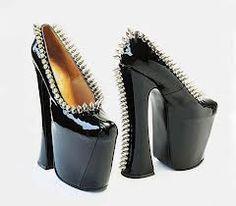482a50977f273 Moda anos 70 Sapatos, Painel, Sapatos Estranhos, Sapatos Doidos, Sapatos  Feios,