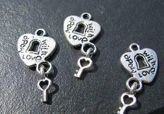 4 Metallanhänger, made with love, silberfarben, Perlen basteln