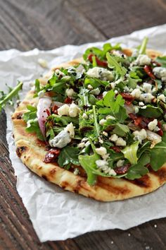 One thing that I love about recipes like this Bacon Blue Cheese Grilled Flatbread with Arugula, is you don't have to have a set recipe. It's fun to think outside the box. Look at what you have in the fridge and how you can put that together into a new recipe. So often when I am cooking dinner it becomes a process of what do I have and how can I put it together into something delicious rather than deliberately following a set recipe. Of course that doesn't stop me from writing a re...