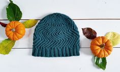 Sabi Hat by OlgaJazzyYarn: 1 skein of Zealana Rimu Yarn (Performa Series); DKNeedles: US 5 onlyI ran out of yarn early, so I could only knit 3 zigzag repeats, plus 3 more rds before working the crow