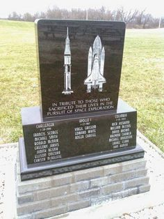 Space Frontier The brave astronauts who paid the ultimate price are honoured at this location Hubble Space Telescope, Space And Astronomy, Nasa, Hubble Pictures, Hubble Images, Space Shuttle Challenger, Apollo Space Program, Constellations, Andromeda Galaxy
