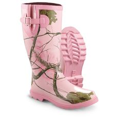 Womens Realtree Girl Rain Boots, Realtree Ap Pink Camo - Rubber Boots at Sportsmans Guide Designer Rain Boots, Muddy Girl Camo, Girls Rain Boots, Camo Shoes, Pink Camouflage, Camouflage Clothing, Redneck Girl, Pink Boots, Boating Outfit