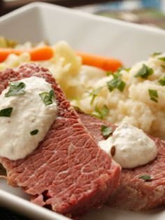 What's St. Patrick's Day without Corned Beef and Cabbage! A simple way to prepare this classic Irish dish. Top it with horseradish cream or mustard and serve it with a side of creamy cauliflower puree as a low carb alternative to potatoes. Corn Beef And Cabbage, Cabbage Recipes, Beef Recipes, Cooking Recipes, Healthy Recipes, Cabbage Soup, Healthy Meals, Healthy Food, Recipies