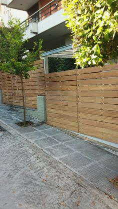 Wooden gate (iroko)