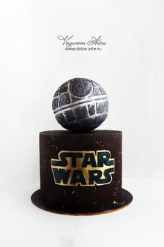 men remain boys forever, and even to the fortieth want a cake with star wars )))) This cake is completely decorated with chocolate. It is covered with chocolate, an inscription made of modeling chocolate and a spaceship carved from chocolate too Star Wars Cake Toppers, Star Wars Cookies, Star Wars Birthday Cake, Star Wars Party, 8th Birthday, Birthday Ideas, Bolo Star Wars, Aniversario Star Wars, Star Cakes