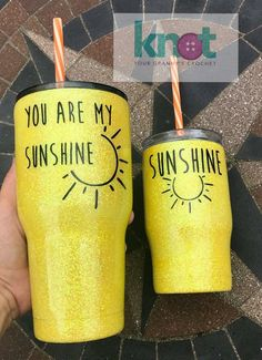 I need these for me and my baby. Diy Tumblers, Custom Tumblers, Glitter Tumblers, Personalized Tumblers, Glitter Cups, Glitter Glasses, Glitter Eye, Glitter Girl, Tumblr Cup