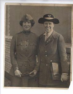 1918 photo Vintage Salvation Army WW1 WAR YMCA/YWCA Booth Davidson