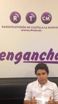 En la televisión de Castilla la Mancha, preparado para su entrevista.