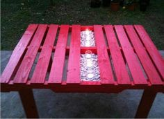 pallet garden table. cool idea!