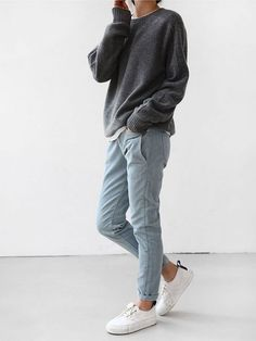 jeans ans sweater chic and girly