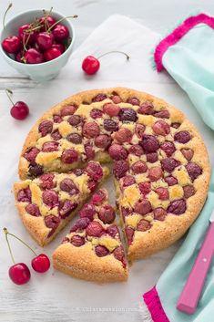 Torta alle ciliegie e mandorle la più buona che ci sia. Facilissima da fare, con video-ricetta. Recipe Cherry & almond cake