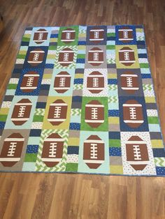 Football quilt in Seahawks colors Man Quilt, Boy Quilts, Football Quilt, Football Blanket, Girl Football, Boys Quilt Patterns, Quilting Patterns, Seahawks Colors, Sports Quilts