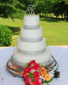 Bling Wedding Cake Bling Wedding Cakes, Cakes And More, Catering, Cake Ideas, Alabama, Desserts, Weddings, Food, Tailgate Desserts