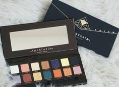 New Prism palette by Anastasia Beverly Hills ig @sydneysmallsbeauty